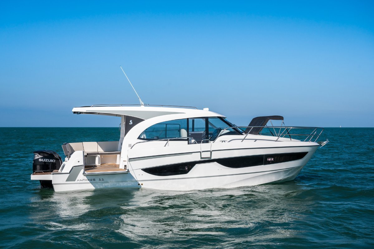 New Beneteau Antares 11:Captains side door and side hull gate