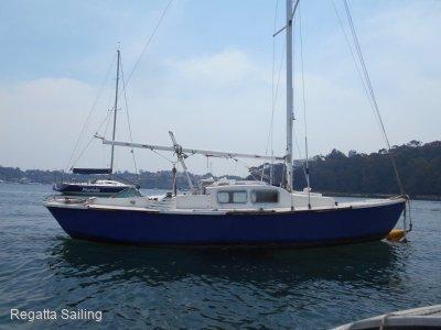 Blue Bird 22 Blue Bird 22ft Fiberglass yacht Racer with plates