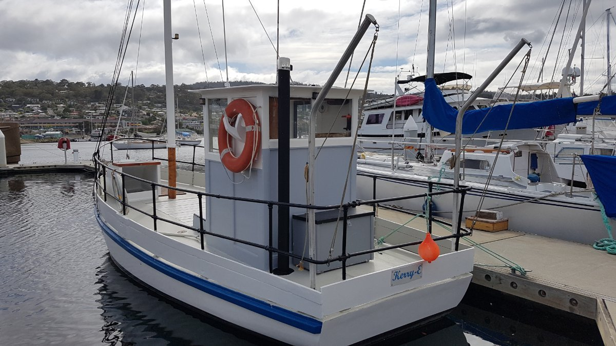 240199 - Tassie fishing boat. Price reduced, keen vendor.
