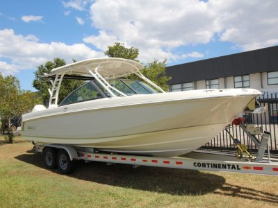 Boston Whaler 270 Vantage Bowrider