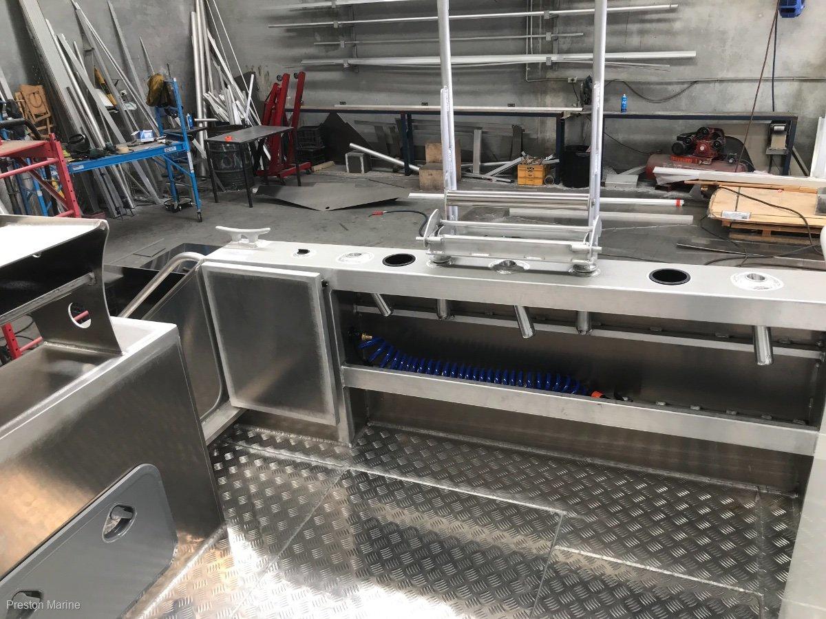 New Preston Craft 740 Centre Console Hard Top