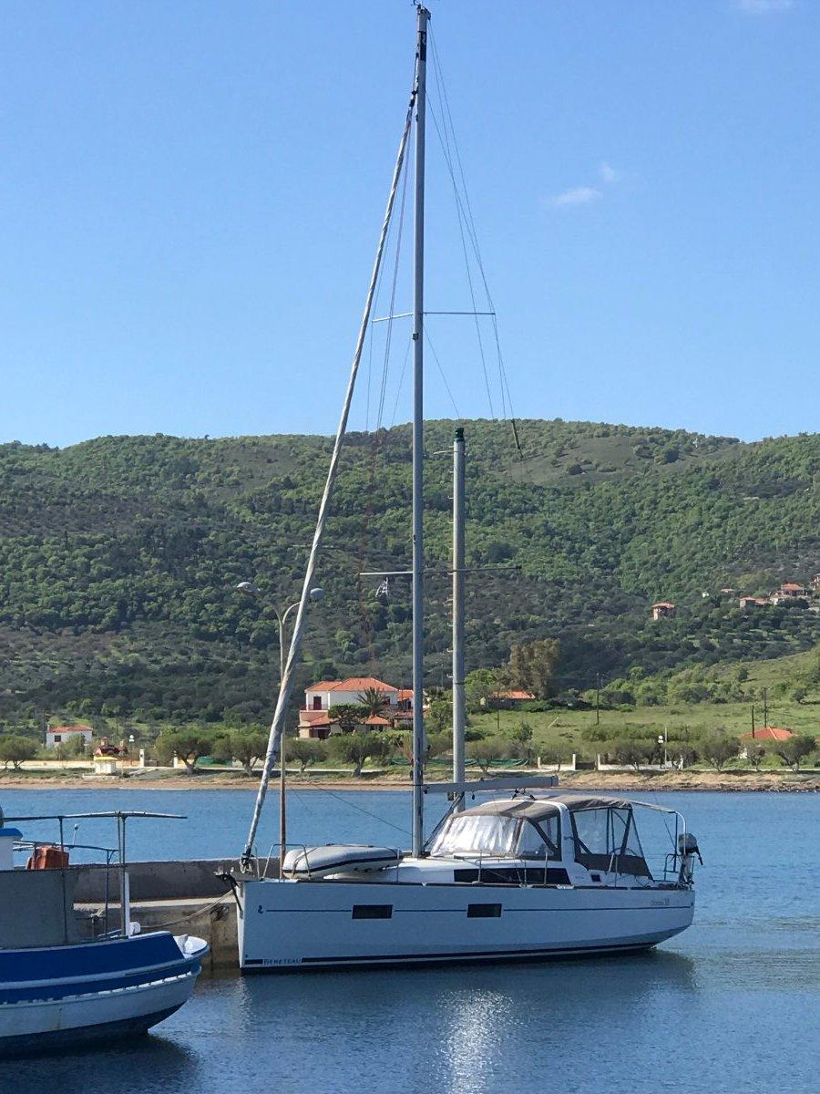 Beneteau Oceanis 38:Cruising in Greece