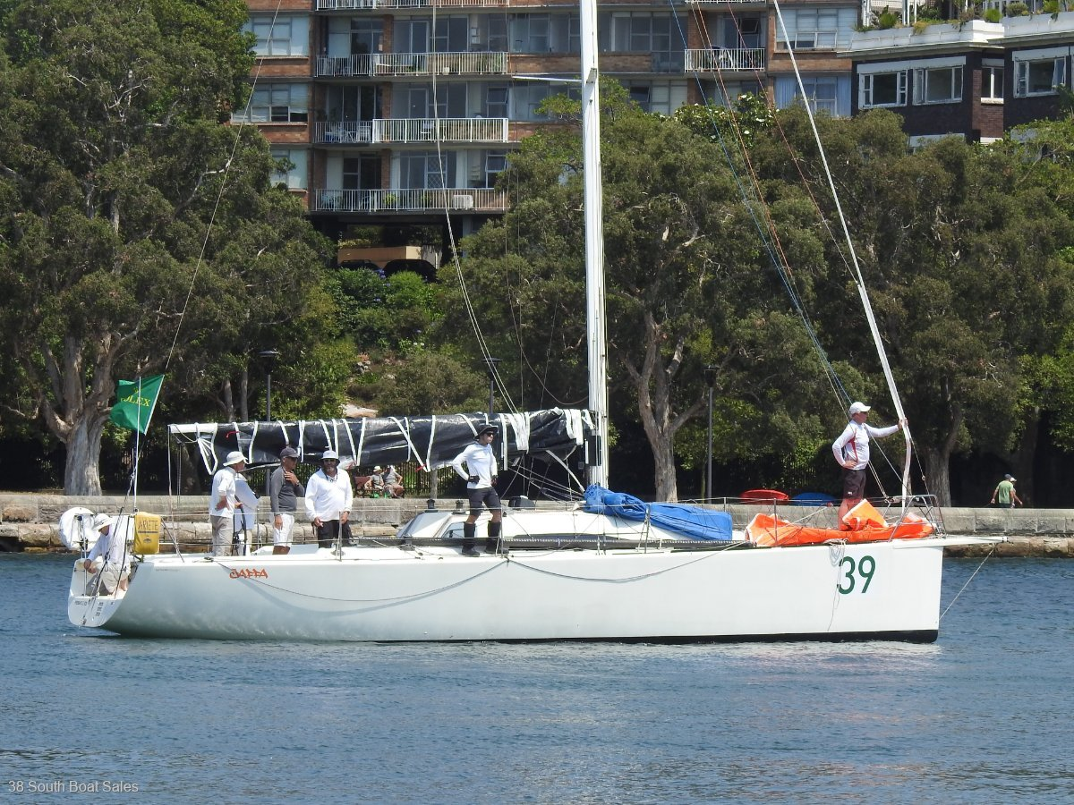 Runnalls 39 Offshore Racer