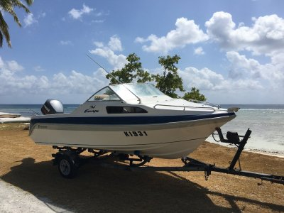 Freedom 5.30 Escape Half Cabin	 115Hp Yamaha Saltwater series motor