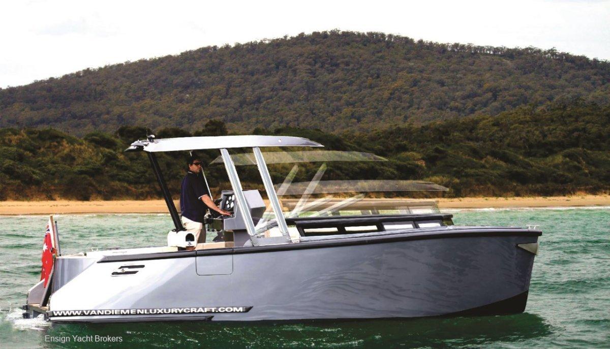 Van Diemen Luxury Craft Sports Limousine 7.5