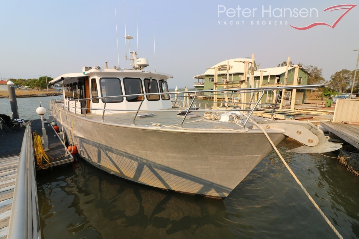 52' Long Range Motor Cruiser