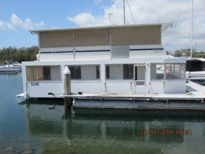 Super Cat Homecruiser Custom houseboat