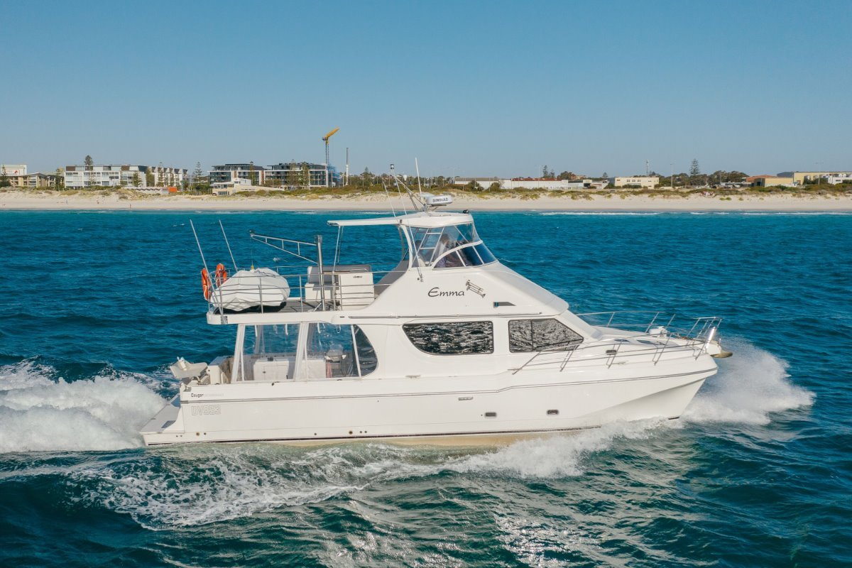 Cougar Cat 43 Flybridge
