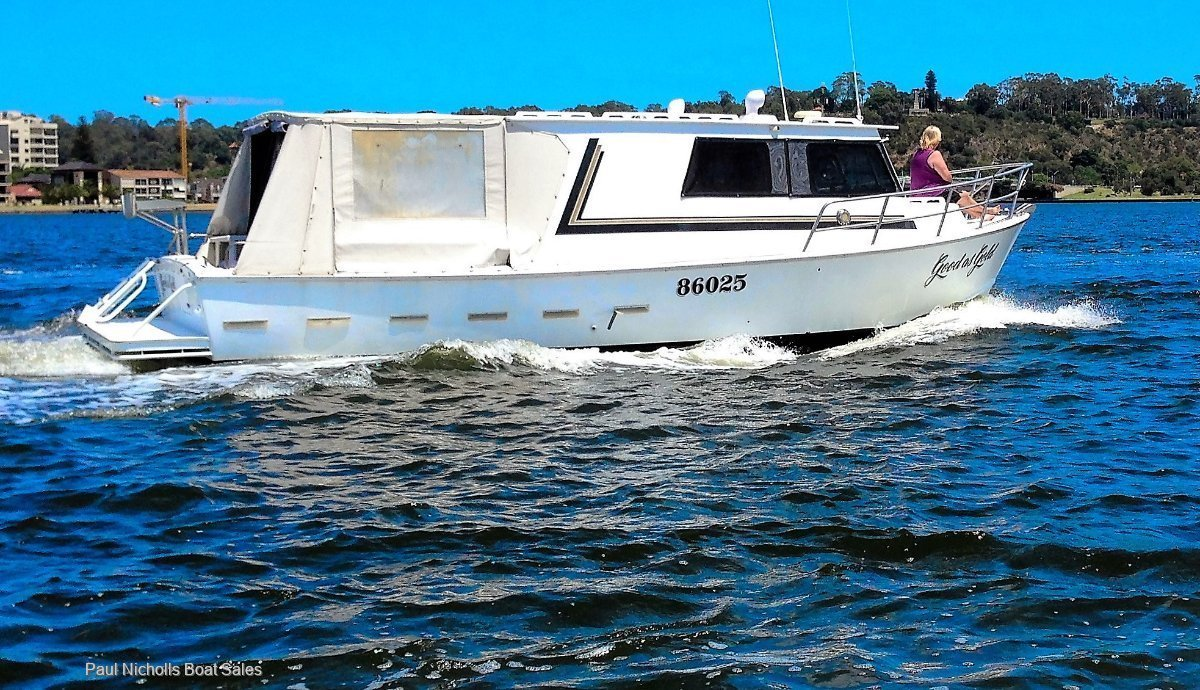 Randell 34 GREAT ENTERTAINER AND PRICED TO SELL !!!!