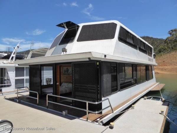 Houseboat Holiday Home on Lake Eildon, Vic.:Vamoose @ Lake Eildon