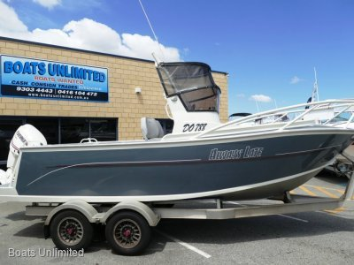 Genesis 580 CENTRE CONSOLE FISHING BOAT FOR SALE- Click for more info...