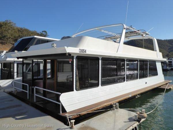 Houseboat Holiday Home on Lake Eildon, Vic.:Panorama on Lake Eildon