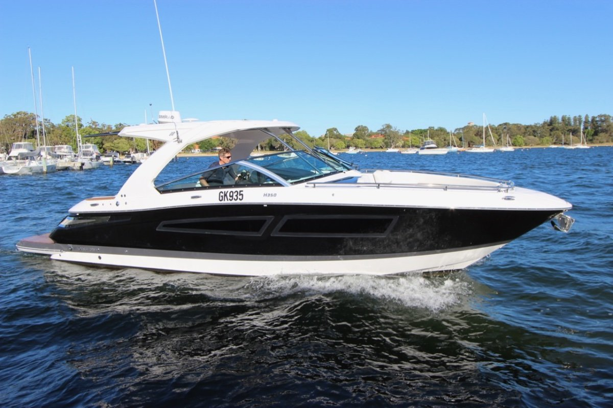 Four Winns H350 - Share with Boat Equity
