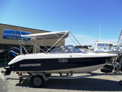 Mustang 1800 Bowrider FAMILY FUN SKI BOAT FORSALE *viewing apon request*
