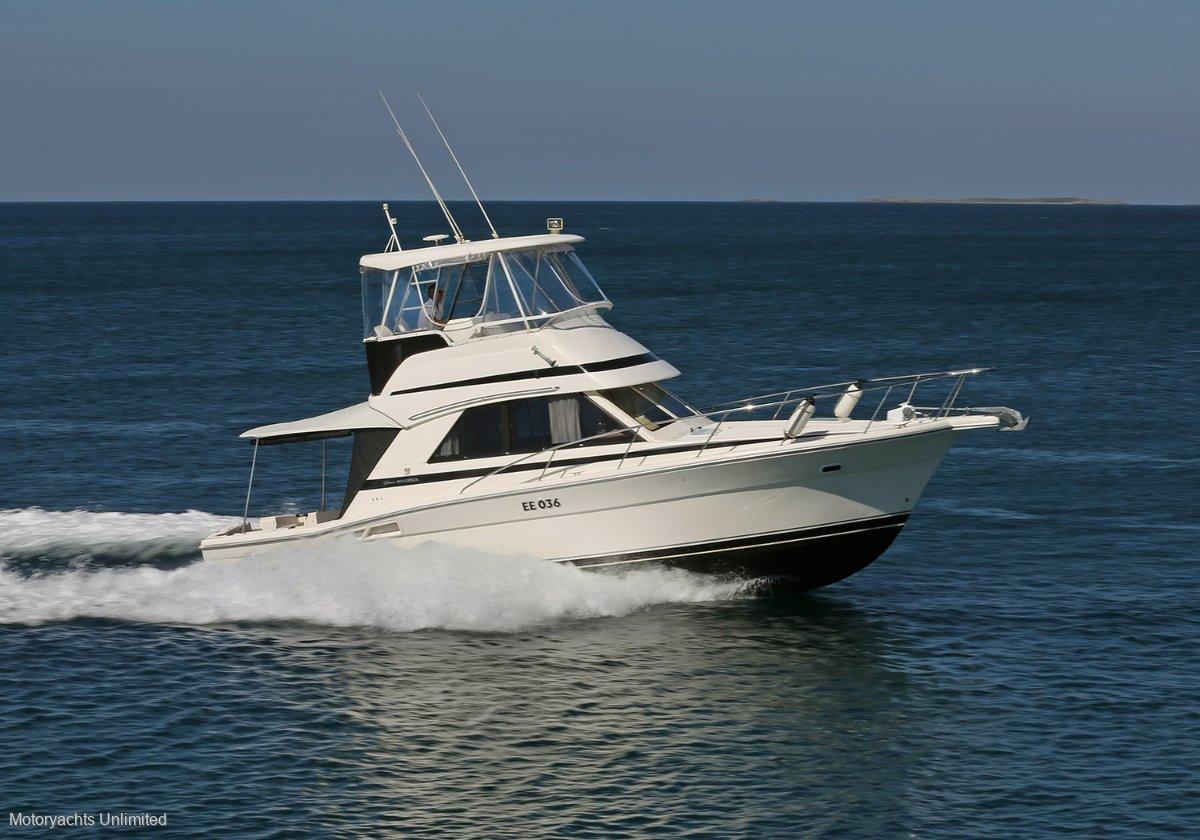 Riviera 36 Single Cabin Single cabin with big rear deck:Platinum Riviera 36 Single Cabin