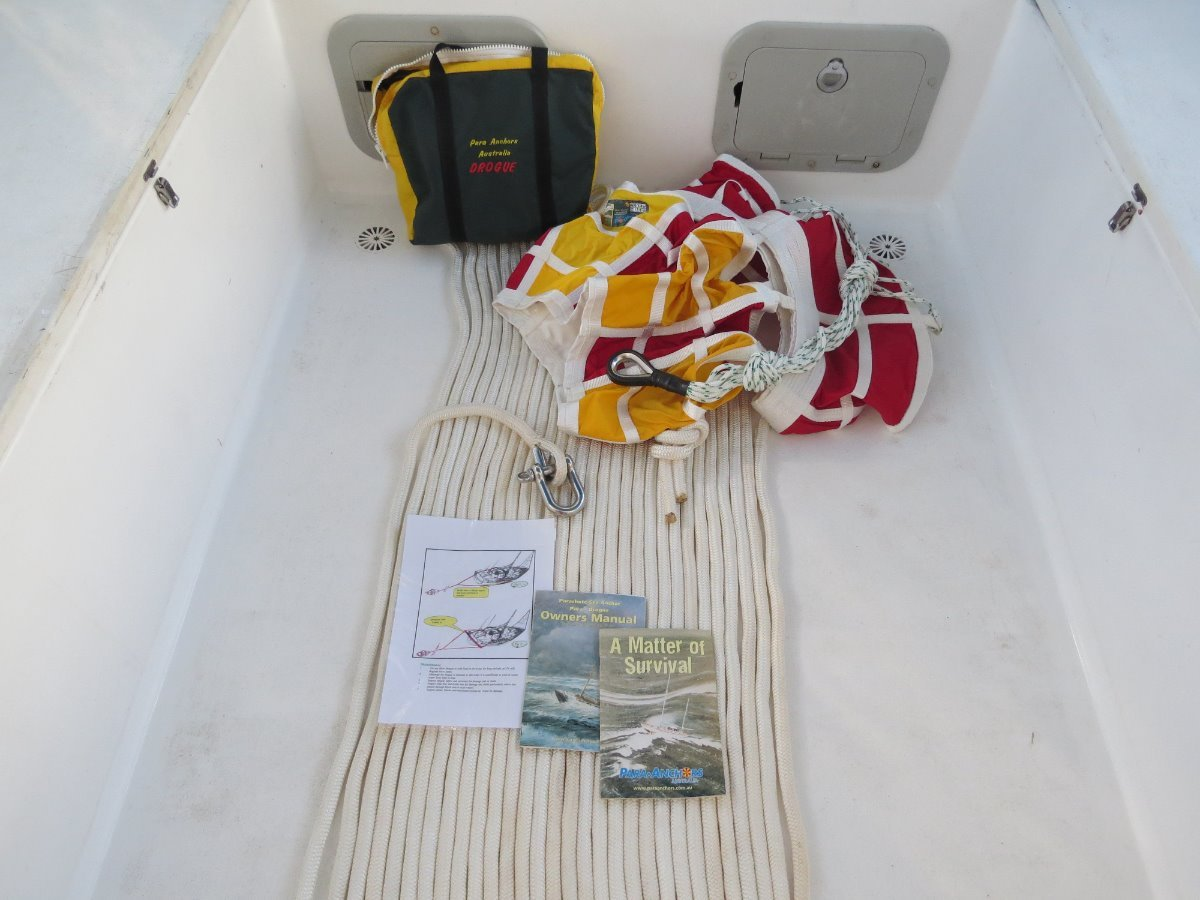 DROGUE to suit vessel up to 13m:chute, rode and bridle, manuals, instructions, chute bag