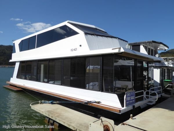 Houseboat Holiday Home on Lake Eildon, Vic.:Escape on Lake Eildon
