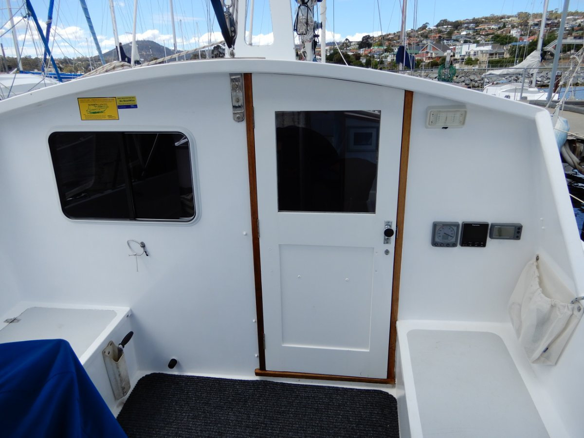 Huon Pilothouse Motor Sailer EXCELLENT CONDITION BEAUTIFULLY BUILT