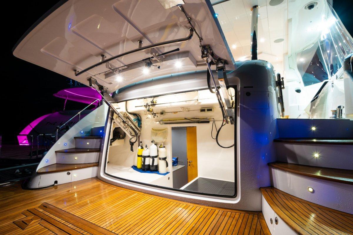 Horizon Yacht E88:Horizon Motor Yacht E88