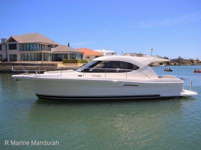 Riviera 3600 Sport Yacht *** FANTASTIC FAMILY BOAT *** $285,000 ***
