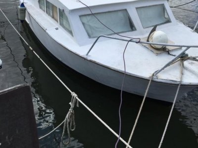 Hartley Cabin Cruiser Classic 1964 Hartley Cruiser with cabin and toilet