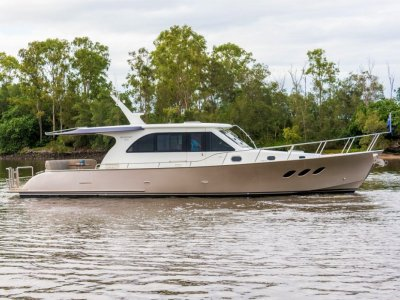 Newport 460 Motor Yacht