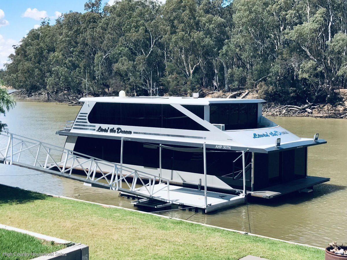 Houseboat Holiday Home on the Murray River @Echuca:Livin the Dream on the Murray River