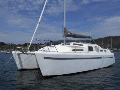 Vagrant 9.4m Bridge Deck Catamaran