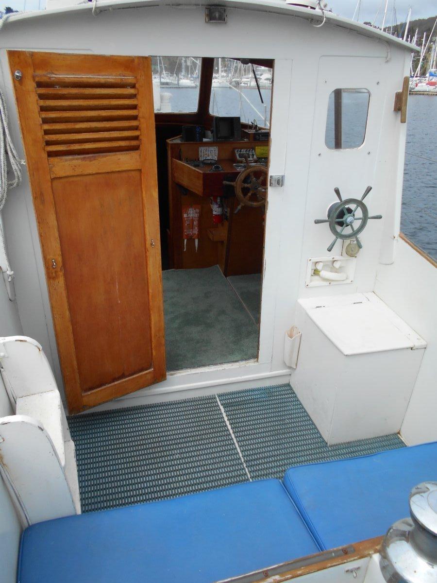 Wilson Motor Sailer HUON PINE, SPACIOUS LAYOUT