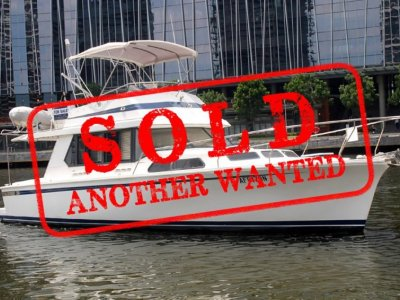 Fairway 36 Flybridge Cruiser - EXTREMELY WELL MAINTAINED