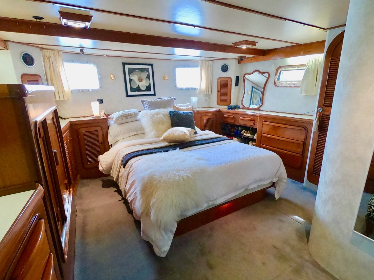 Angel Yachts 56 TRUE MOTOR YACHT IN EXCELLENT CONDITION