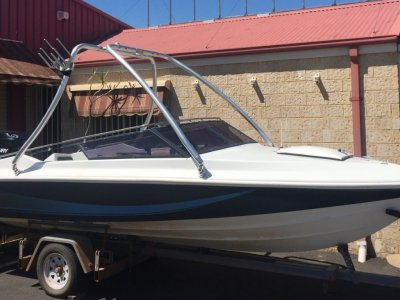 Rider Runabout 17ft with Wake Tower