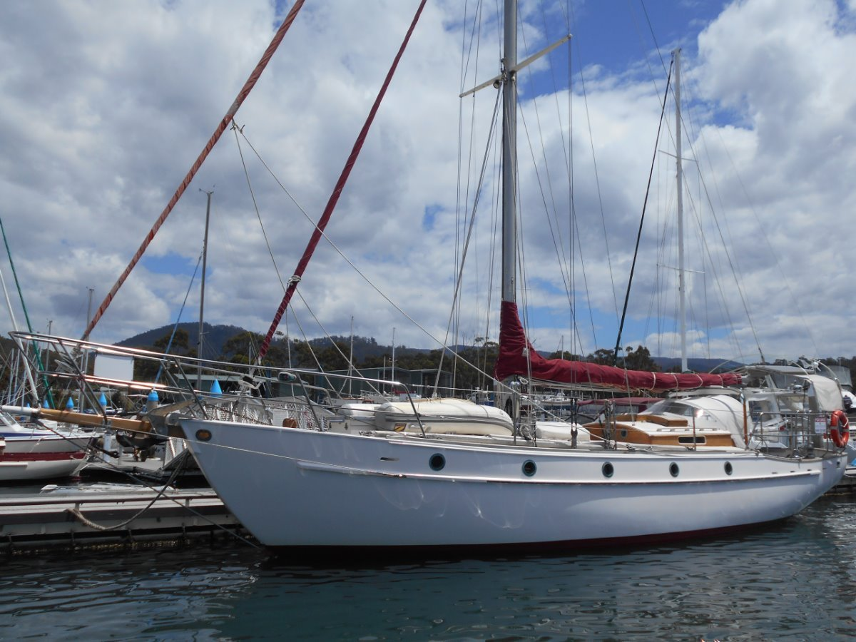 Maurice Griffiths SUPERBLY BUILT AND PRESENTED BLUEWATER CRUISER