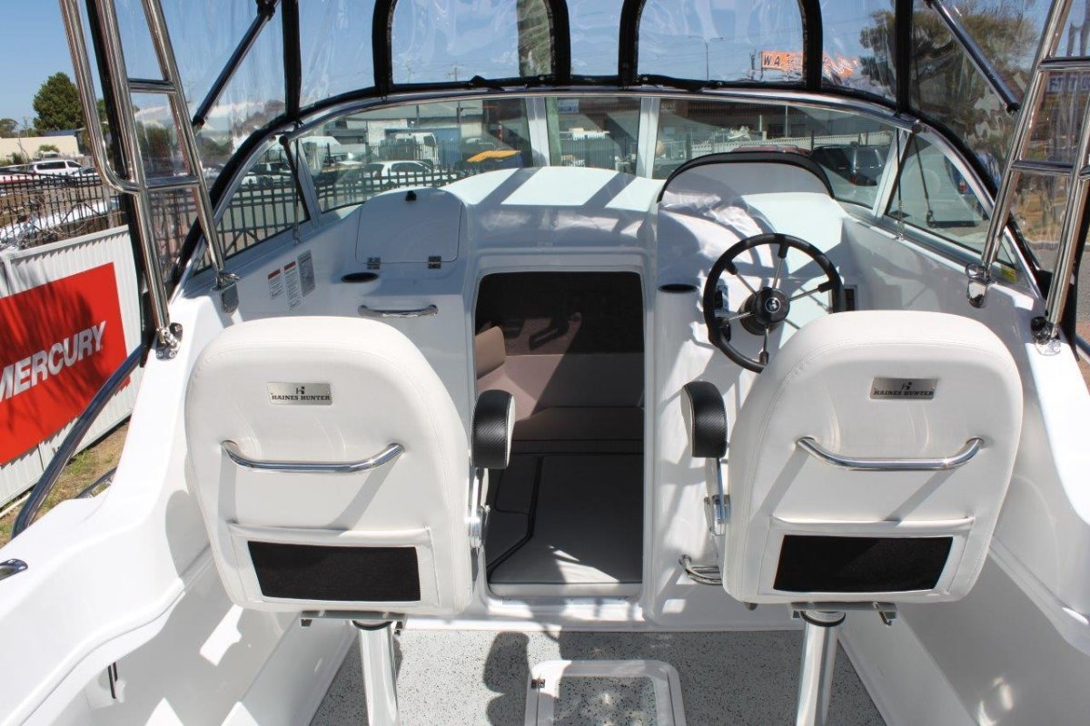 New Haines Hunter 675 Offshore