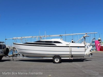 Macgregor 26 (Trailer Sailer)