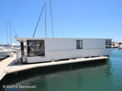 **HOUSE BOAT- AS NEW ** BOSS BOATS **$167,500**