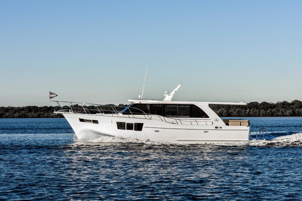 Integrity 490 Grand Sedan Displacement Cruiser
