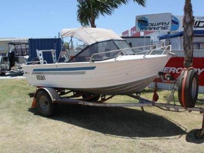 Quintrex 475 Bay Hunter runabout
