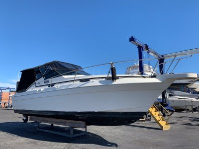 Mariner 30 Sports Cruiser New Clears & Cover, 2 year old Manfolds & Risers