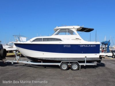 Bayliner 246 Discovery with Dinghy, Outboard and Bow thruster