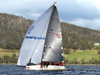Melges 32 HIGHLY COMPETITIVE NEW SAILS NEW ENGINE RACE READY