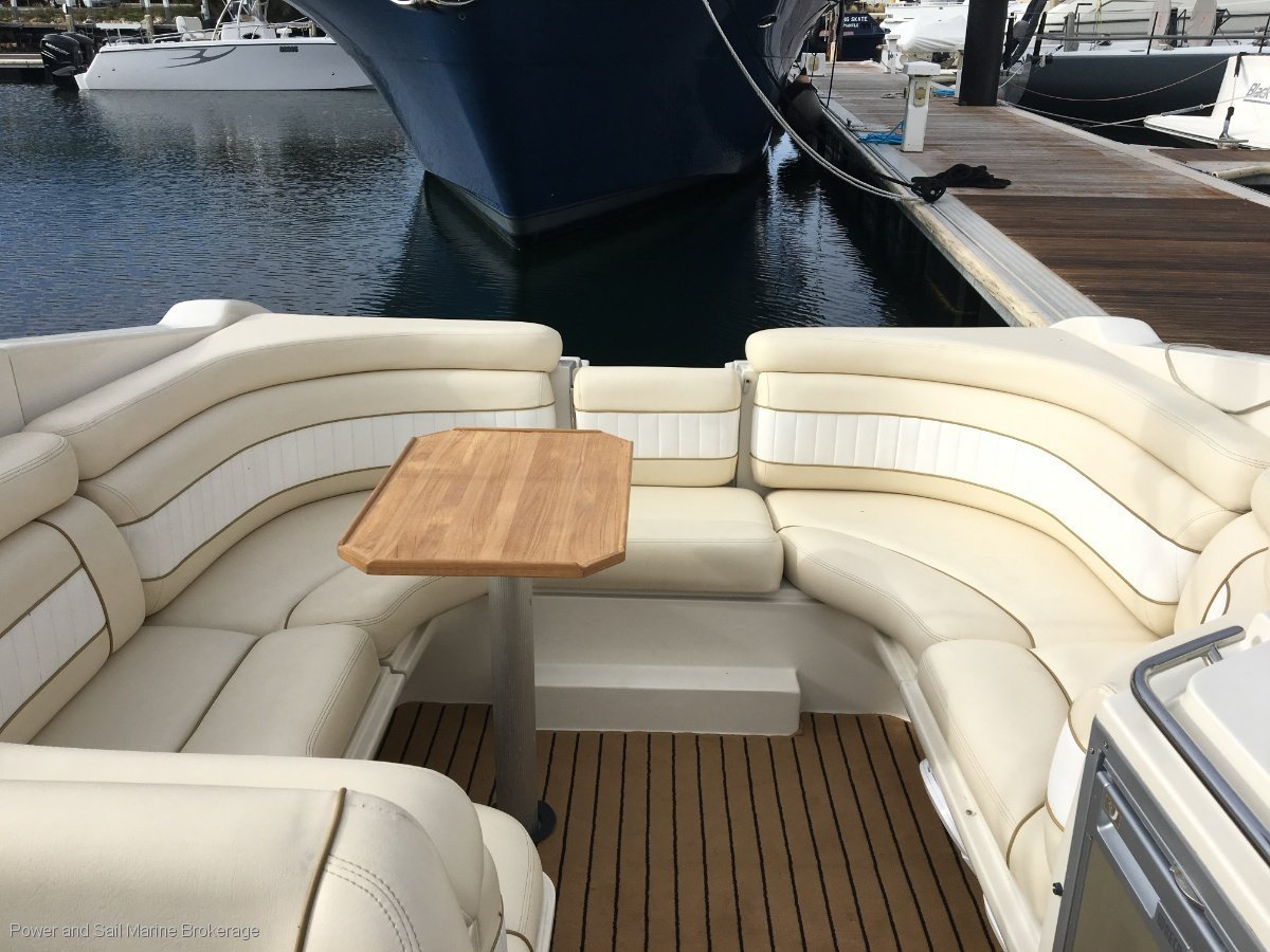 Regal 2950 Lsc Elegant and sophisticated, ready for the water