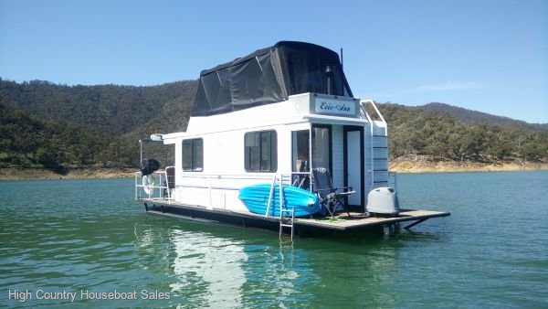 Houseboat Holiday Home on Lake Eildon, Vic.:Evie Ann on Lake Eildon