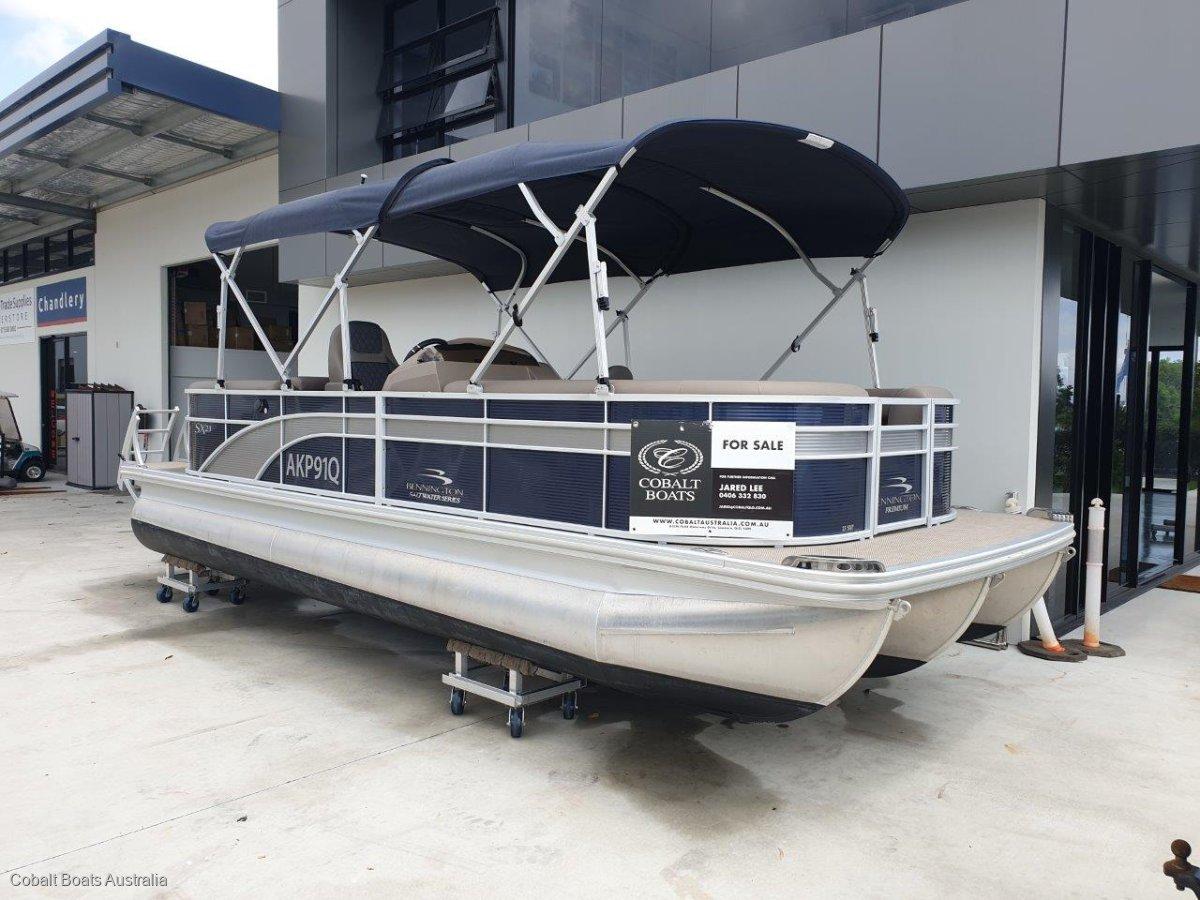Bennington Pontoon Boat 23SPDXP Dinette Premium