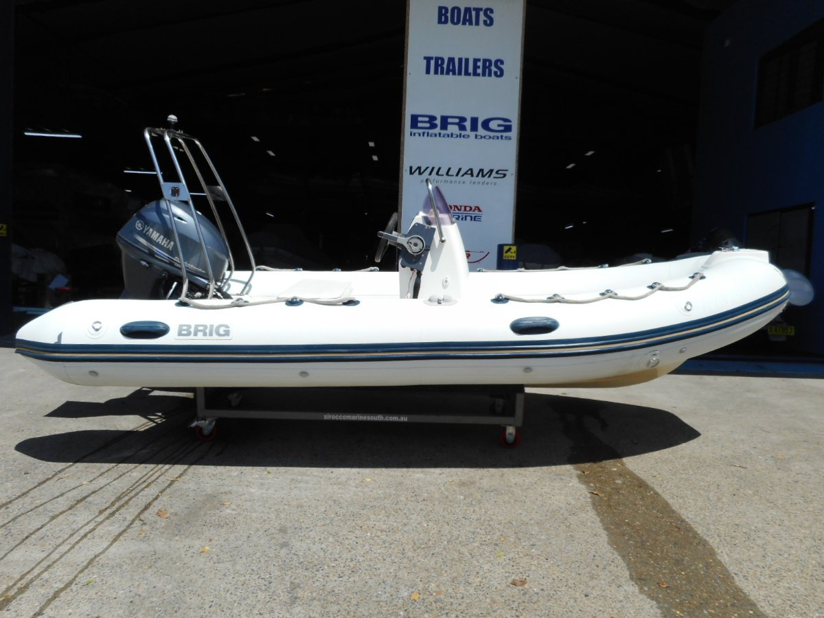 Brig Falcon 450HL Center Console - White Hypalon tubes