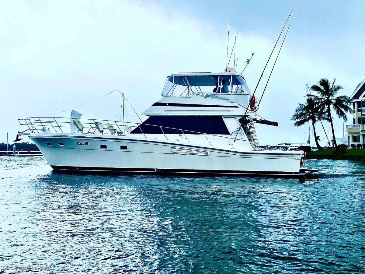 Riviera 52 Flybridge hardtop cruiser