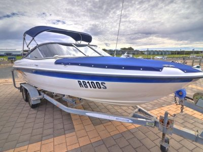 Bayliner 205 Bowrider 2050 with Sunshade Canopy and Covers