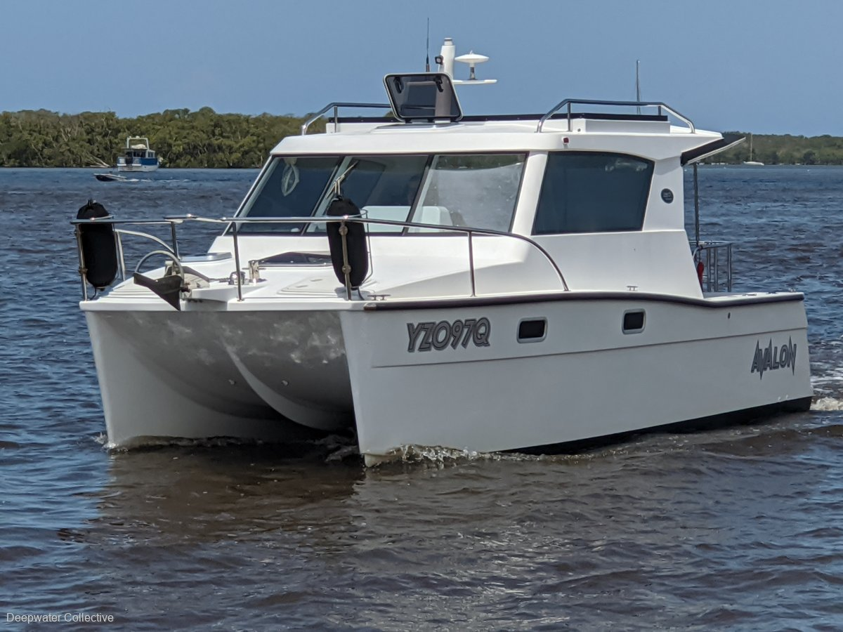 Dan Leech L825 Power Catamaran