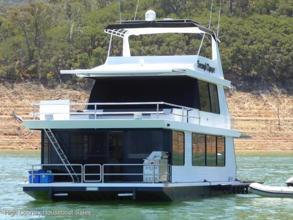 Houseboat Holiday Home on Lake Eildon, Vic.:Second Chance @ Lake Eildon