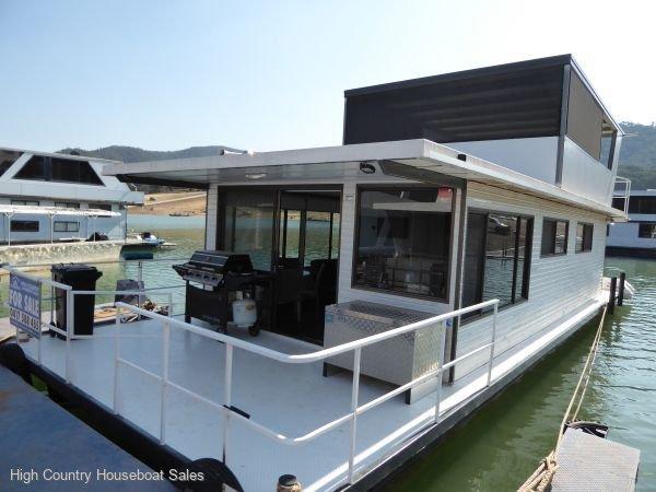 Houseboat Holiday Home on Lake Eildon, Vic.:Tut Box on Lake Eildon